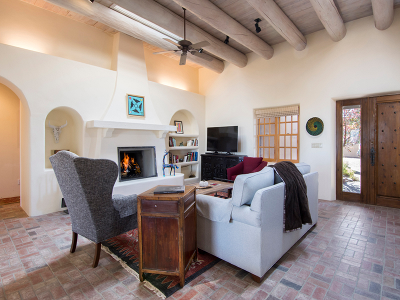 Vacation Rentals in Santa Fe NM | Aria Adobe Living Room
