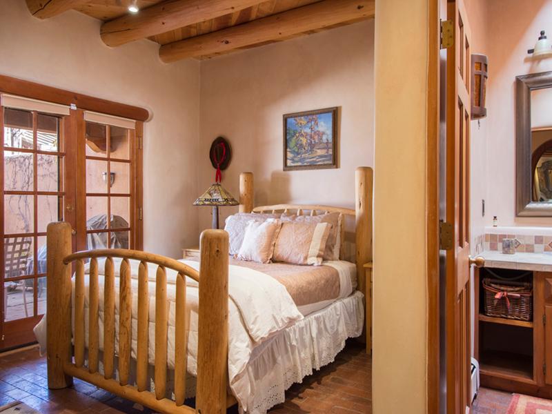 Santa Fe Home for Rent | Vacation Homes in Santa Fe | Casa de Santa Fe Guest Bedroom